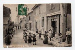 - CPA CHAPONOST (69) - La Rue De L'Eglise (belle Animation) - Editions Lévy N° 4 - - France