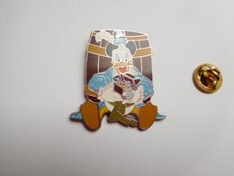 Beau Pin's , Disney , Le Pirate Des Caraïbes  , Pirates Of Caribbean , ATTENTION : Pin's Décoloré - Disney