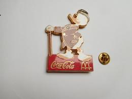 Beau Big Pin's , Disney , Coca Cola , McDonald's , Gontran ; ATTENTION : Pin's Décoloré - Disney