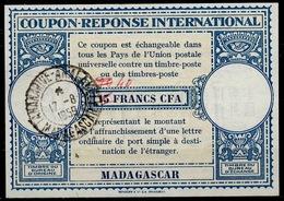 MADAGASCAR Lo15 40 / 30 / 15 FRANCS CFA International Reply Coupon Reponse IAS IRC Antwortschein O TANANARIVE 17.8.59 - Madagascar (1889-1960)