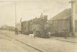 -themes Div.-ref-DD559 -carte Photo Non Située - Beau Plan De Train Dans Une Gare -a Situer - - Trains