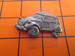 2719 PINS PIN'S / Beau Et Rare : Thème AUTOMOBILES / 2CV CITROEN METAL ACIER LEGER RELIEF DEUDEUCHE - Citroën