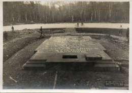 WW1 COMPIEGNE - 2 PHOTOS CONSTRUCTION ET WAGON DE L'ARMISTICE Taille 17cmx12cm - Guerra 1914-18