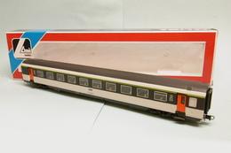 Lima - VOITURE CORAIL 2ème Classe B11 Tu SNCF Réf. 30 9185 BO HO 1/87 - Scompartimento Viaggiatori