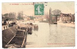 Péniche à  Bourges (18 - Cher) Canal Du Berry - Péniches