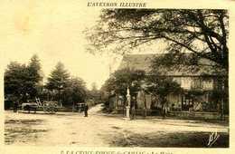 LA CROIX ROUGE De CAMJAC =  La Place (pompe à Essence)    1317 - Other Municipalities