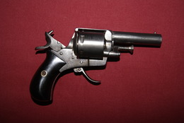 Bulldog  Calibre 320 - Decorative Weapons