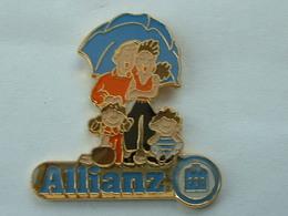 Pin's ASSURANCES ALLIANZ - Pin's