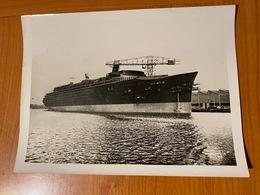 """PHOTO ORIGINALE - 3/01/1933- Du Paquebot Le """"normandie """" En Construction  (port Offert ) - Boats"""