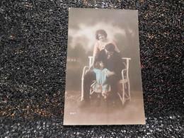 Couple Avec Petite Fille       (A7) - Couples