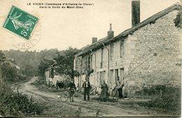 LE VIVIER. Vers La Forêt Du Mont-Dieu (facteur) - Francia