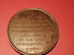 MÉDAILLE PAPALE EN BRONZE OU CUIVRE  PIO IX  1867 GRAVEUR à IDENTIFIER 48 Gr. Dia. 48 Mm - Francia