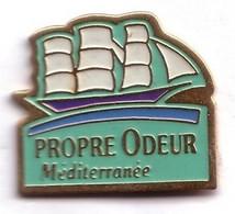 X61 Pin's Bateau Voilier PROPRE ODEUR MÉDITERRANÉE Achat Immédiat - Boats