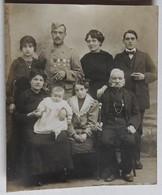 Photographie Originale Guerre 14-18 WW1 Soldat Avec 4 Décorations Médaille Photo De Famille - 1914-18