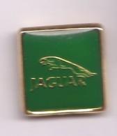 V140 Pin's JAGUAR Logo Vert Version Entourage Doré Prononcé ( Pas Très Visible Sur La Photo) Achat Immédiat - Jaguar
