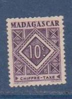 MADAGASCAR         N°  YVERT  :  TAXE   31          NEUF AVEC  CHARNIERES      (  CH  02/24 ) - Madagascar (1889-1960)