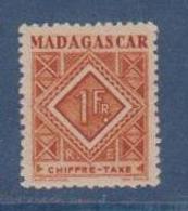 MADAGASCAR         N°  YVERT  :  TAXE   34          NEUF AVEC  CHARNIERES      (  CH  02/24 ) - Madagascar (1889-1960)