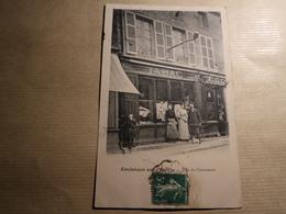 1 Carte Postale  COULONGES SUR L'AUTIZE Rue Du Commerce - Coulonges-sur-l'Autize