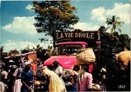 HAITI .. MARCHE .. CAMION TAPTAP .. LA VIE DROLE .. 1984 - Haïti