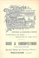 """CPA / CARTE DE VISITE DEPLIANT FRANCE 42 """"Roanne, Distillerie ROCHE & VANCRAYELYNGHE, Rue Des Ecoles"""" - Roanne"""