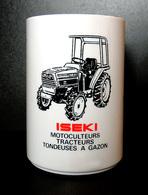 Tracteur Agricole ISEKI - Pot à Crayons/stylos Publicitaire - Noir & Rouge Sur Résine Blanche - Tracteurs