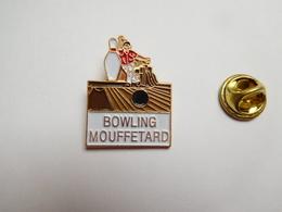 Superbe Pin's , Bowling Mouffetard , Paris - Bowling
