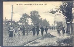 52. REIMS - Départ De C. B. R. Au Pont De Vesle  (Tres Animmée) - Reims