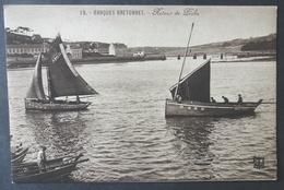 CPA 29 AUDIERNE - Barques Bretonnes - Retour De Pêche - Edit. FT Brest 19 - Réf. D 249 - Audierne