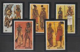Kenya 1984 Costumes 309-13 5 Val ** MNH - Kenya (1963-...)