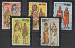 Kenya 1987 Costumes 391-95 5 Val ** MNH - Kenya (1963-...)