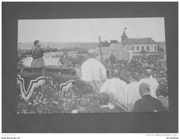 ROSSIGNOL -  1920 Manifestation En Faveur Des Martyrs  -  Le Père Hénusse, Aumonier De Guerre, Prononce Son Allocution - Tintigny