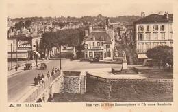 17 -- SAINTES -- Vue Vers La Place Bassompierre Et L'Avenue Gambetta - Saintes