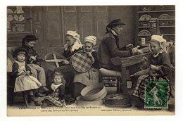 Cpa N° 1360 Tissage De Tamis Et De Cribles Dans Une Famille De BANNALEC - Bannalec