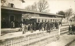 LA TREMBLADE  Le Train En  Gare - Carte Photo - - La Tremblade