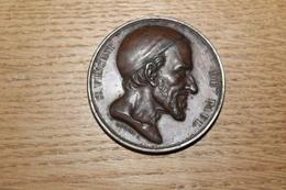 Médaille XIX° Saint Vincent De Paul 1850 Attribuée à Nevière à LAUZET Basses Alpes Par Fauginet F. - France