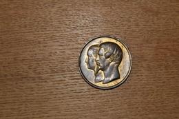 Médaille XIX° Napoleon III Et Eugenie  Exposition Universelle 1855 Par  CACQUE - France