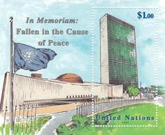 """UNO-New York, 1999,  827 Block 17, MNH **, Dag-Hammarskjöld-Medaille """"Gefallen Im Dienste Des Friedens"""". - Blocks & Sheetlets"""