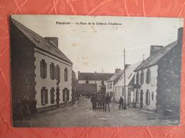 Plozevet. La Place De La Greve Et D Audierne - Plozevet