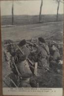 CPA, Militaria,La Grande Guerre 1914-15, Retranchements Chasseurs Mitrailleurs Sur Le Front Ds Les Vosges, Tampon Verso - War 1914-18