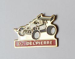 Pin's Voiture Coureur Automobile Delpierre - 48R - Automobile - F1