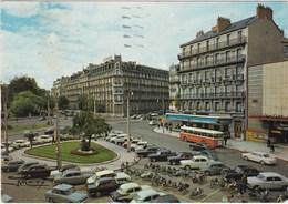 DIJON. Place Darcy. Voitures. Bus - Dijon