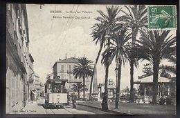 HYERES 83 - La Place Des Palmiers - Hyeres