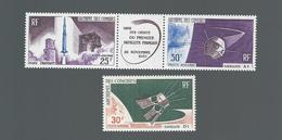 Timbres  Archipel Des Comores Mise Sur Orbitre Du 1° Satellite N° 16 A Et 17 Neufs - Unused Stamps