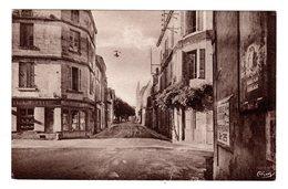 CPSM Coulonges Sur L' Autize Deux Sèvres 79 Hôtel Maxime Route De Fontenay Panneau Directionnel Parthenay éd Combier - Coulonges-sur-l'Autize