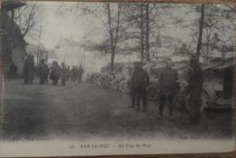 CPA, Militaria, Bar Le Duc (Meuse,55) Un Coin Du Parc, Animée , Militaires, Véhicules,Croix Rouge,1917, éd La Civette - Bar Le Duc