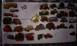 "N° 10 ) 31 Pin's Env ""véhicules Camions Américains"" - Pin's"