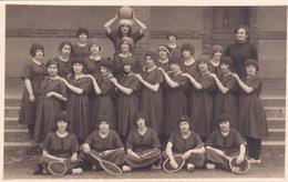 PHOTO-CARTE-SPORTS-TENNIS-GROUPE DE FEMMES- DIM13,5 X8,5CM - Deportes