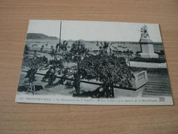 CARTE POSTALE ALGERIE/ PHILIPPEVILLE LE MONUMENT   VOYAGEE - Algeria