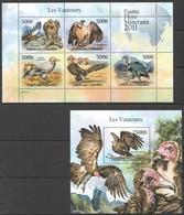 UC202 2011 UNION DES COMORES FAUNE FLORE MINERAUX BIRDS LES VAUTOURS 1KB+1BL MNH - Águilas & Aves De Presa