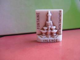 Fève Fontaine Monumentale Valence Série Leclerc  Bourg Les Valences  1995 ¤ Fèves ¤ Rare Ancienne - Région